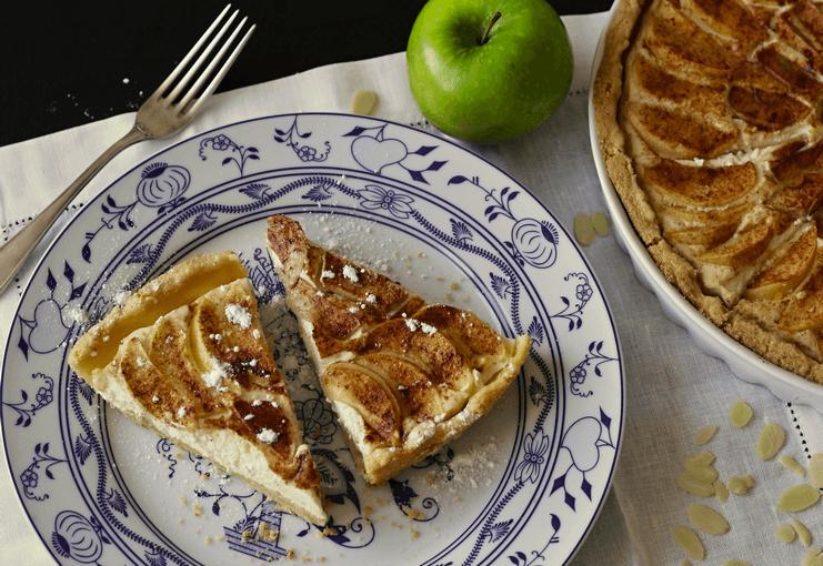 Křehký koláč s tvarohem a jablky