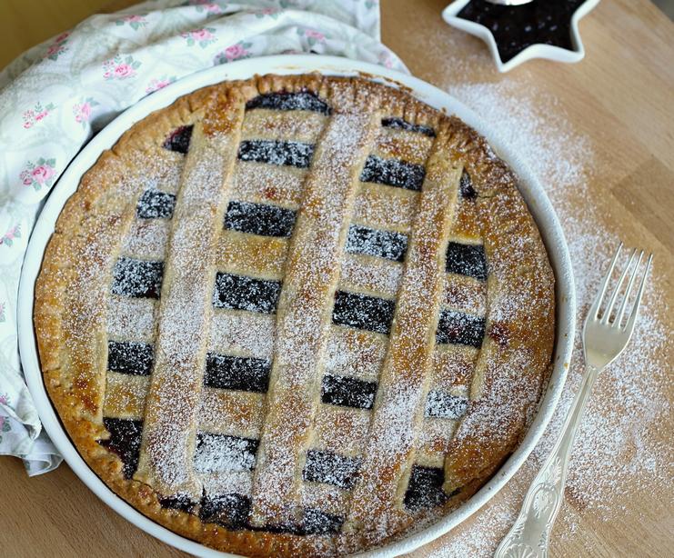 Mřížkový koláč z lineckého těsta s marmeládou